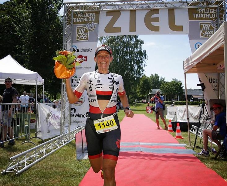 Tri-HW - hm-mareen-hufe-09 - 32. Harsewinkeler Trispeed  Triathlon -  ausgerichtet von Trispeed Marienfeld -  am 02.06.2019 m. Start/Ziel im Freibad Harsewinkel--------------------------------------------------------------------------------Copyright by:Henrik MartinschleddeMöllenbrocksweg 10633334 GüterslohTel.: 05241/2331991Mobil: 0173/2627211Mail: henrik.martinschledde@t-online.de